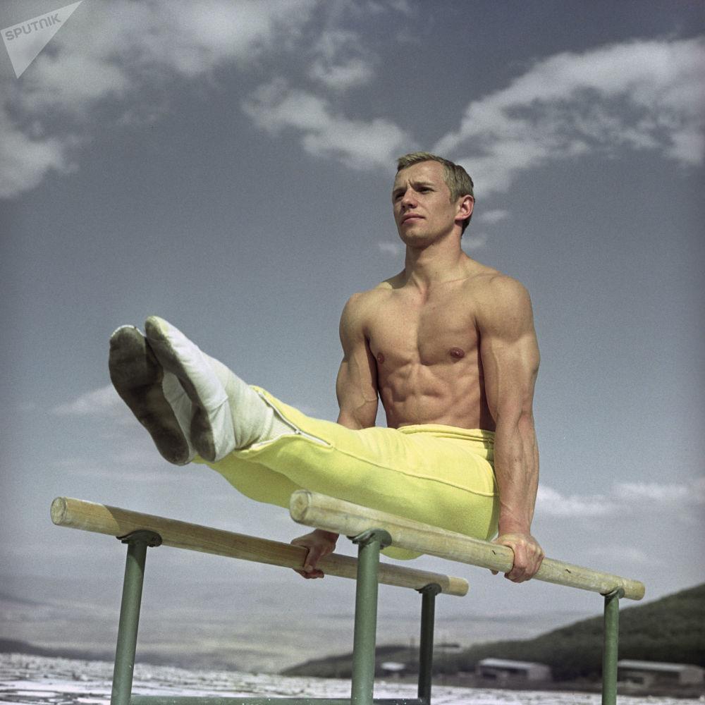 苏联体操运动员谢尔盖·季奥米多夫,1968年