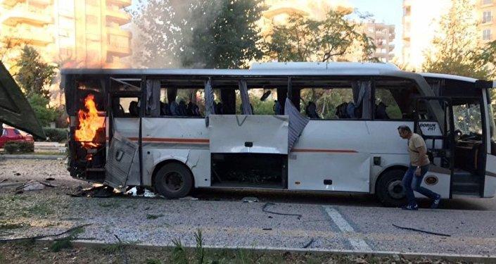 土耳其政府:梅尔辛恐怖袭击导致12名警察受伤