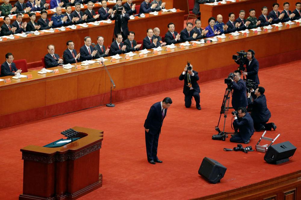 中国国家主席习近平在开幕式上作报告。
