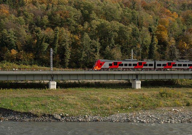 俄防长分享乘火车穿越俄蒙中计划