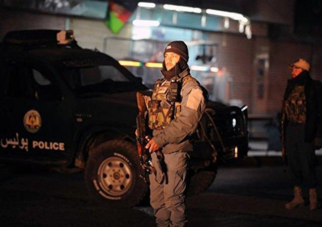阿富汗军事基地附近两辆汽车爆炸致40名军人丧生