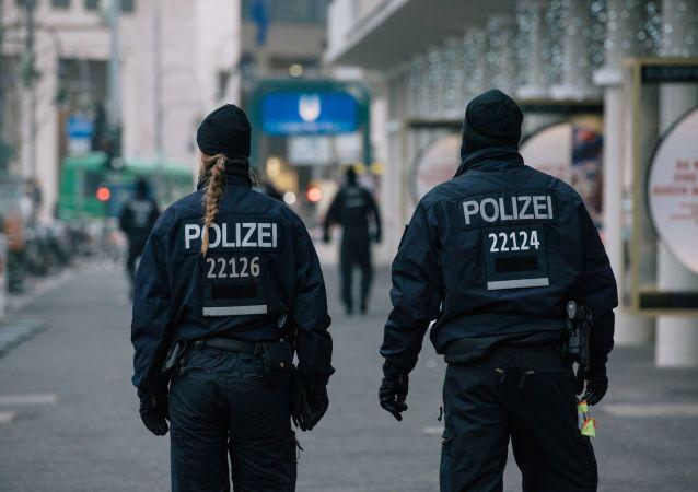 一名警察在柏林大教堂開槍射擊