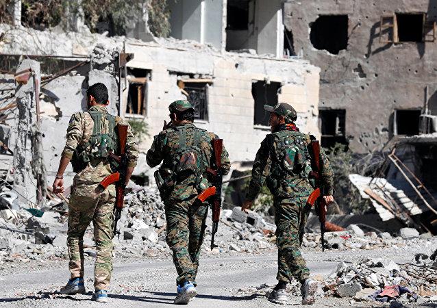 """""""叙利亚民主力量"""" 在拉卡"""