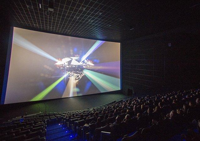 俄电影基金会:俄观众半年为国产电影票房贡献100亿卢布