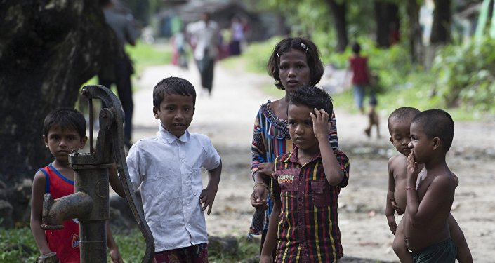 缅甸要求孟加拉国停止援助居住边界地区的罗兴亚难民