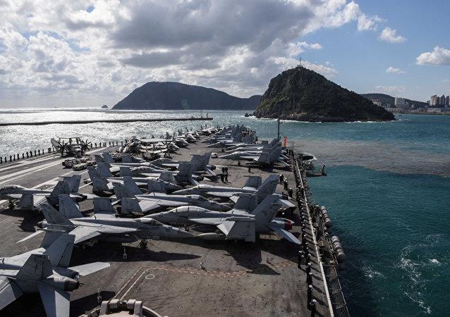 美國海軍發表聲明稱,美國海軍一架飛機在太平洋沖繩島附近失事 機上有11人