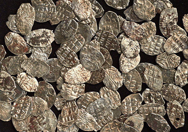 莫斯科市中心發現97枚彼得一世時期硬幣