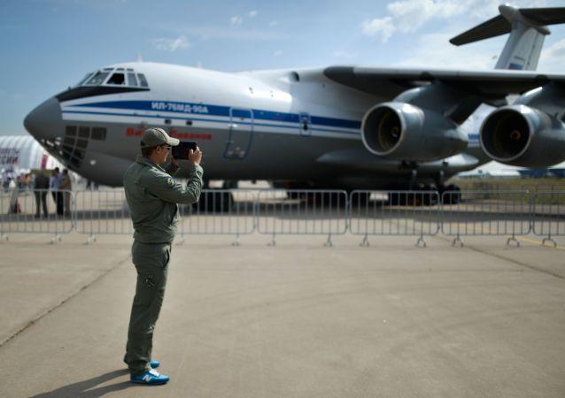 伊尔-76MD-90A飞机