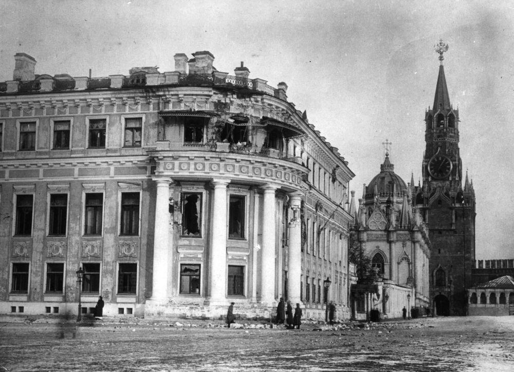 被砸毀的小尼古拉耶夫斯基殿