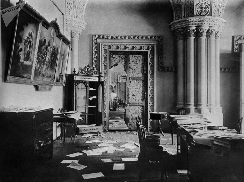 冬宮被布爾什維克佔領的哥特式大廳,1917年11月7日