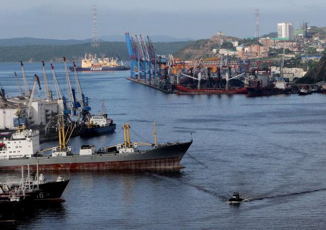 符拉迪沃斯托克海港