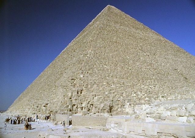 在胡夫金字塔內發現一個神秘房間