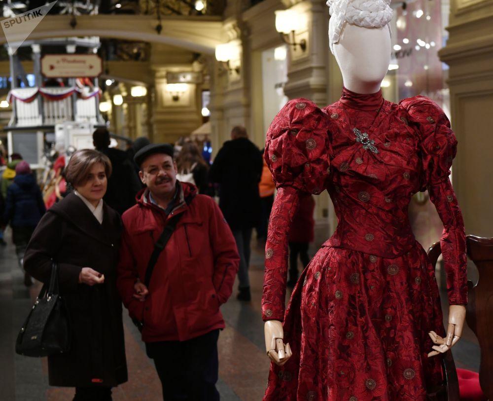 所有服飾的製作均遵照19世紀末20世紀初的歷史原型。