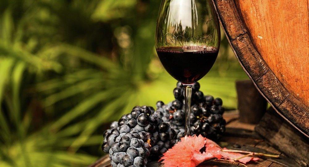 克里米亚葡萄酒厂将开放品酒
