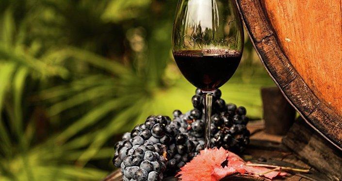 科學家:巧克力和紅酒有抗毒功效