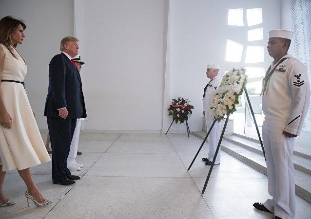 特朗普到訪夏威夷州的珍珠港紀念碑
