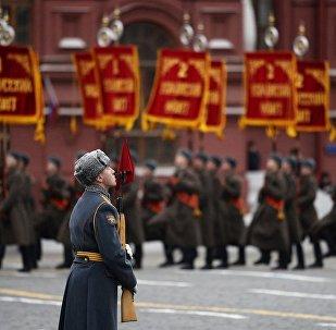 因红场举行游行列宁墓将关闭2天