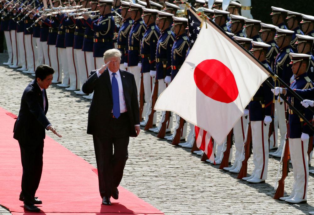 日本首相安倍晋三和美国总统唐纳德·特朗普在东京