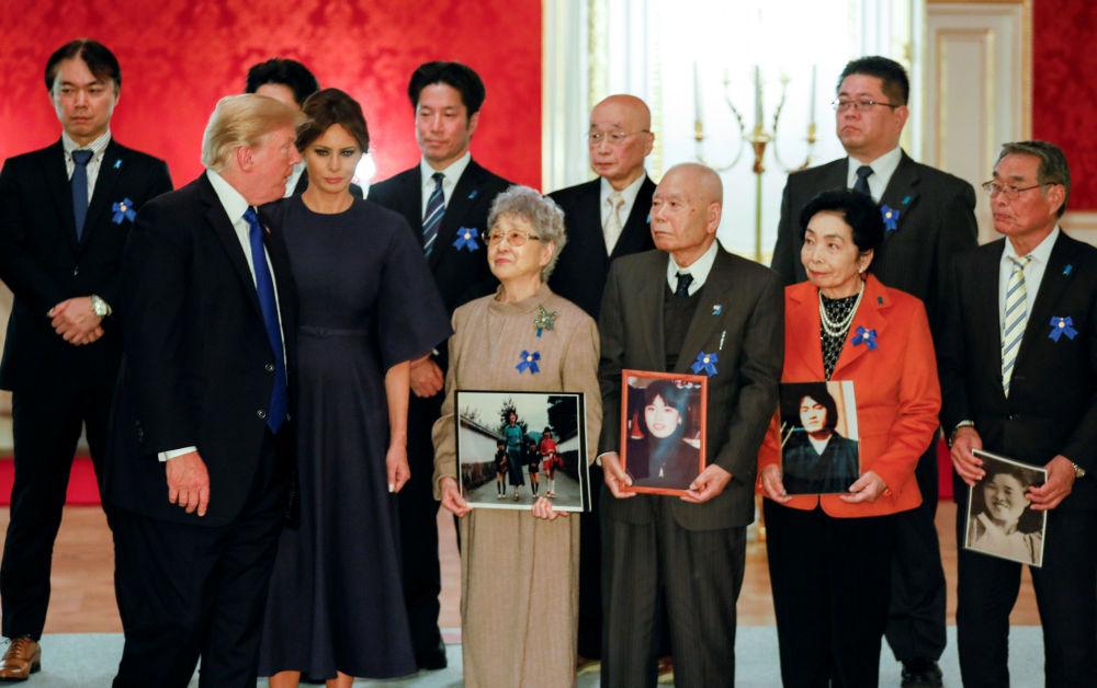 美国总统唐纳德·特朗普和第一夫人梅拉尼娅在访问日本东京期间