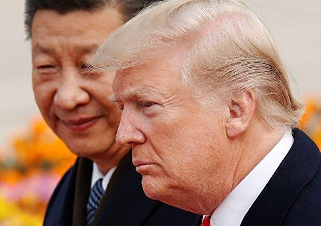 中国国家主席习近平9日与美国总统特朗普