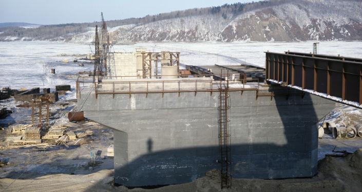 中俄黑龙江大桥明年3月有望与俄方完成钢梁合龙