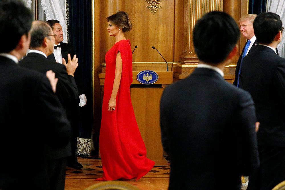美国第一夫人着装超吸睛