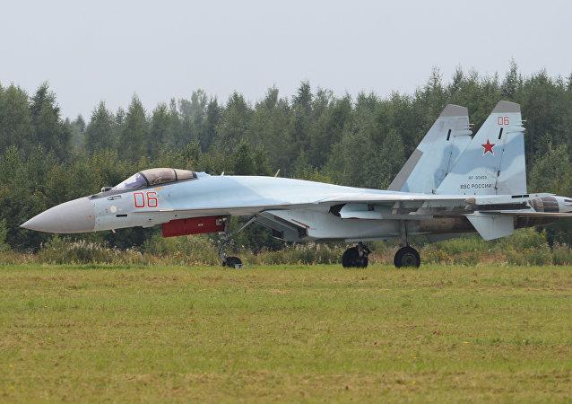 俄羅斯在迪拜航展上首次推出最新的四代++蘇-35S超機動性戰機