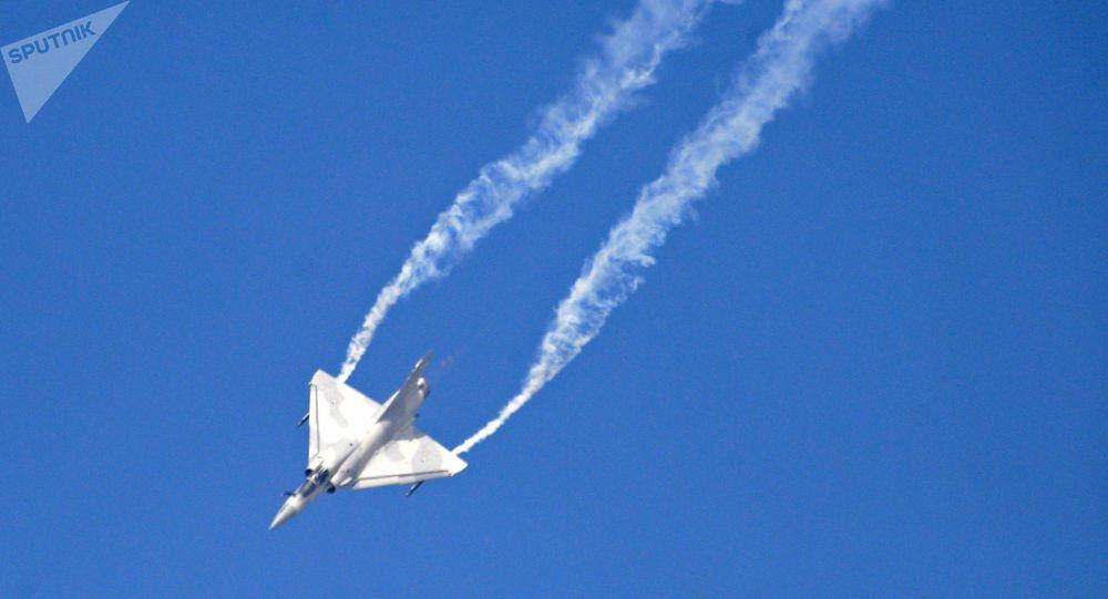 一架「幻影-2000」戰機
