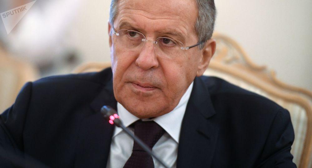 俄外长:该国呼吁北约寻求共同协作打击阿富汗贩毒方法