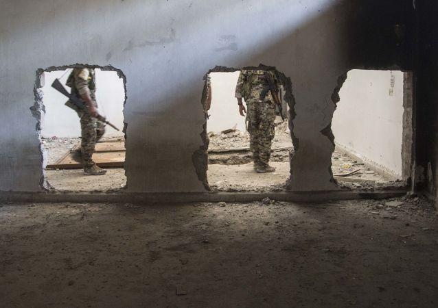 Военные альянса сил вооруженной оппозиции Сирии, поддерживаемый правительством США. Архивное фото
