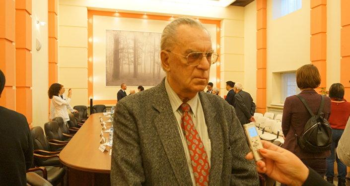 历史学博士尤里·加林诺维奇