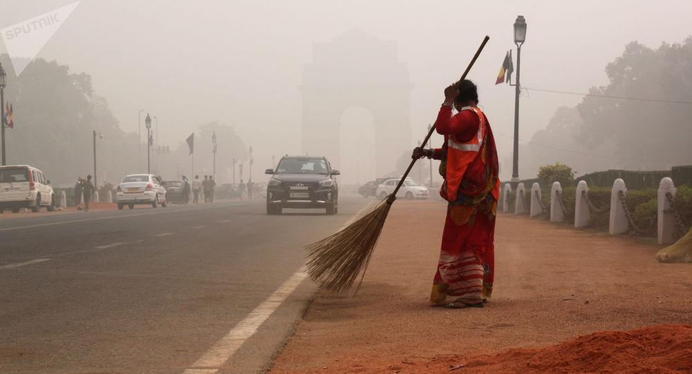 印度德里空氣污染危機持續一周後穩定