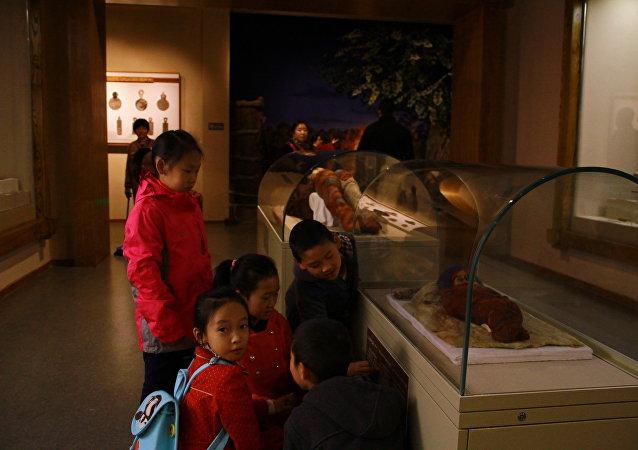 最小的木乃伊的秘密被揭开(视频)
