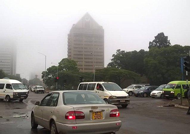 俄駐津巴布韋使館並未因該國局勢不穩而停止工作