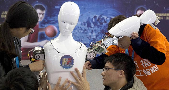 俄專家:美國越來越難以遏阻中國的技術進步