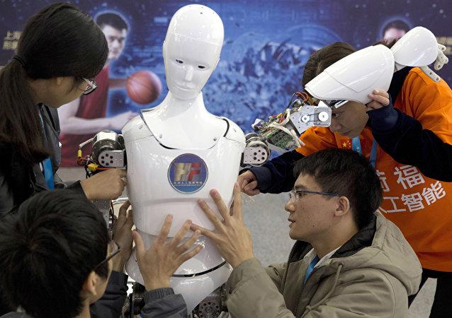 調查:美國民眾擔心中國將在人工智能領域趕超美國