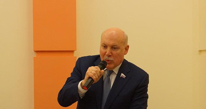 俄中友好协会主席德米特里·梅津采夫