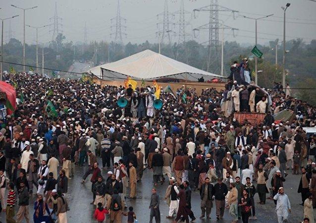 巴基斯坦反對黨領袖號召軍隊協助鎮壓首都抗議活動