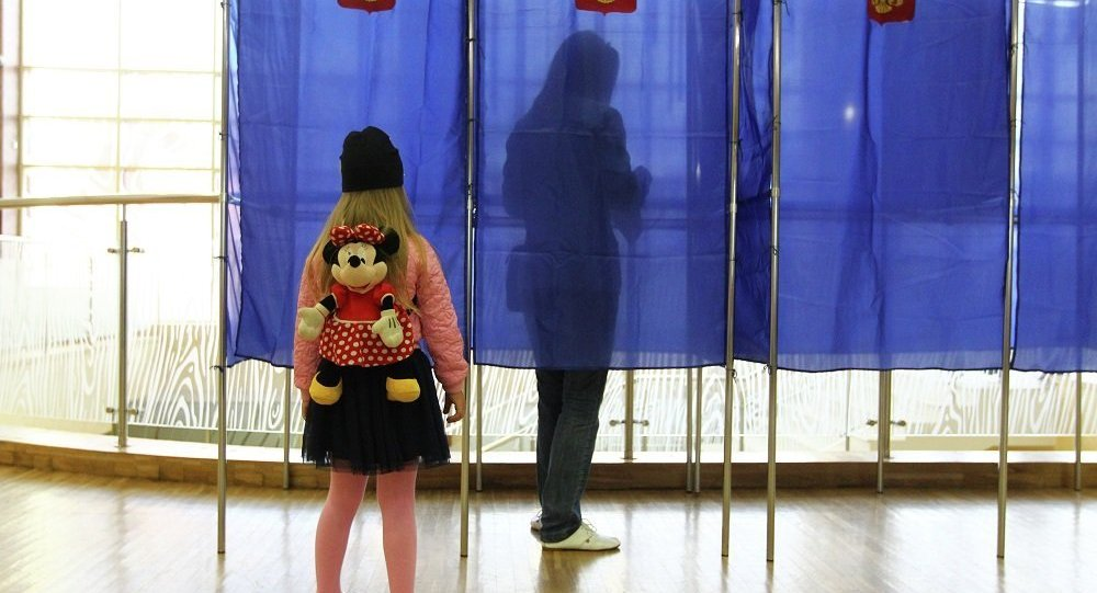 票站调查:俄滨海边疆区行政长官选举第二轮投票中塔拉先科领先