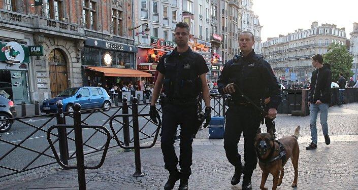 法国3人因被涉嫌与恐怖分子有关而被扣留