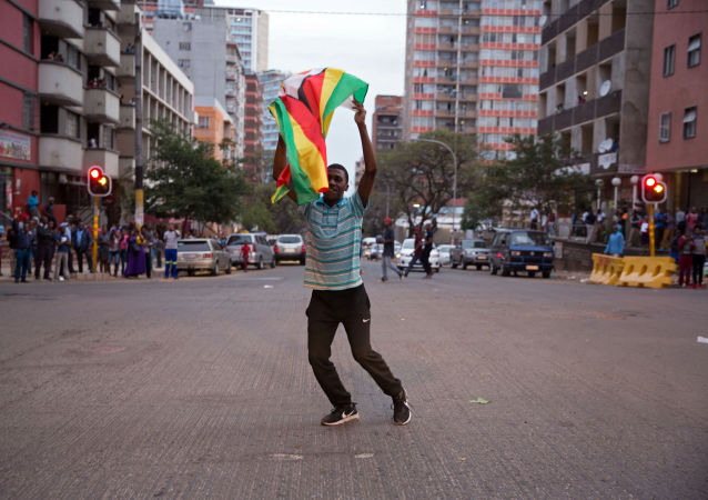 津巴布韦最高法院裁定推翻穆加贝的军事行动合法
