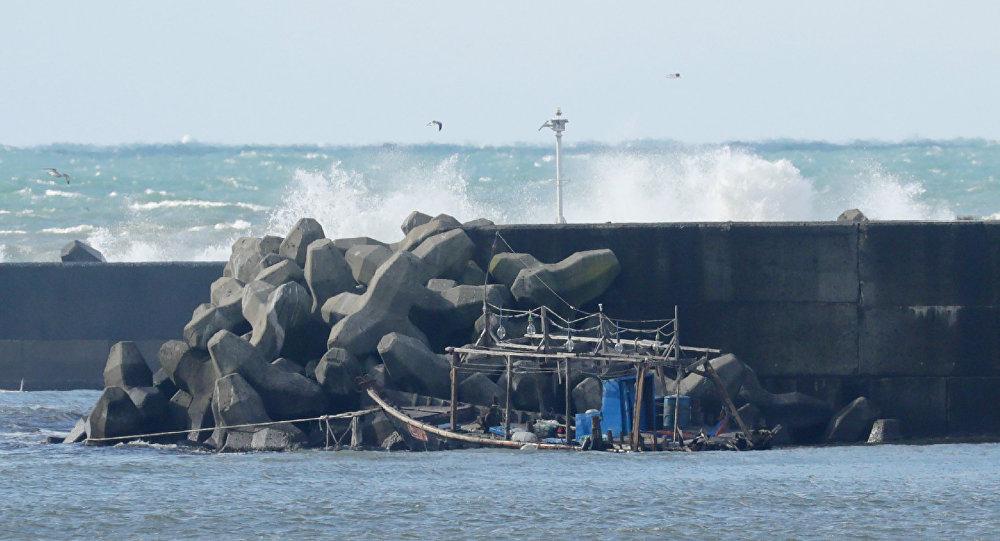 韩国遣返被指杀害16名同胞的两名朝鲜渔民