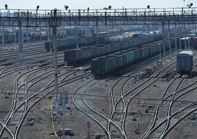 俄捷富凱公司發送首列從中國至法國的集裝箱列車