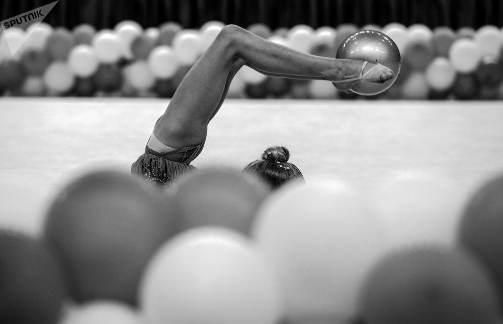 第六屆藝術體操公開賽的參賽選手