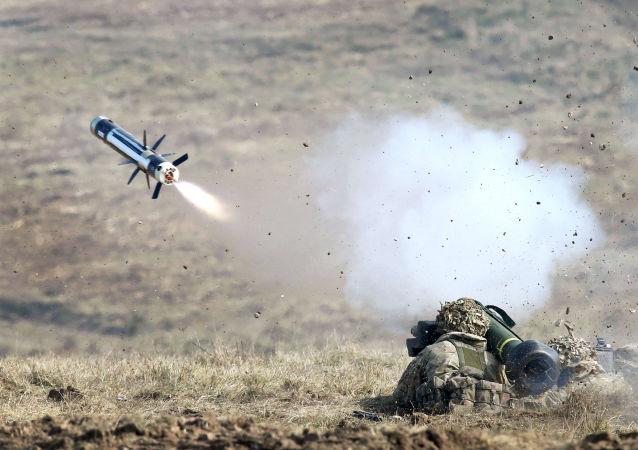 """标枪""(Javelin)反坦克导弹"