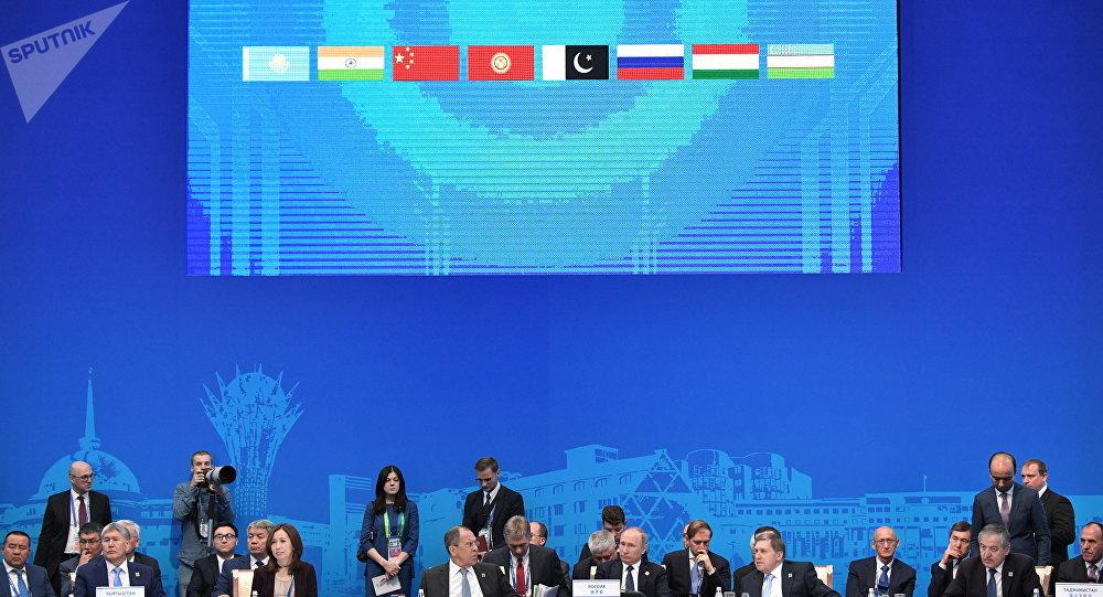 俄总理:俄方认为不存在伊朗加入上合组织的障碍