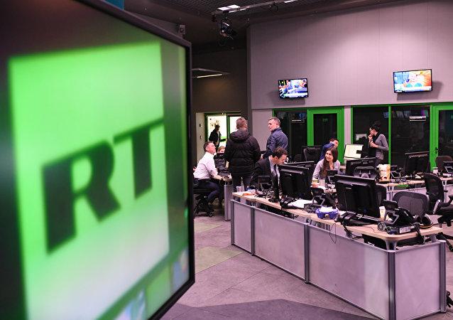 俄外长:俄不希望与美国就禁止媒体采访展开竞赛