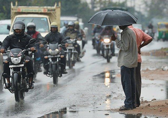 媒体:风暴导致印度南部8人死亡 86人失踪