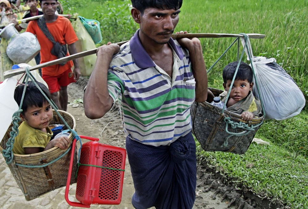 罗兴亚难民到达孟加拉国与缅甸边境的巴鲁卡里营地(Balukhali)