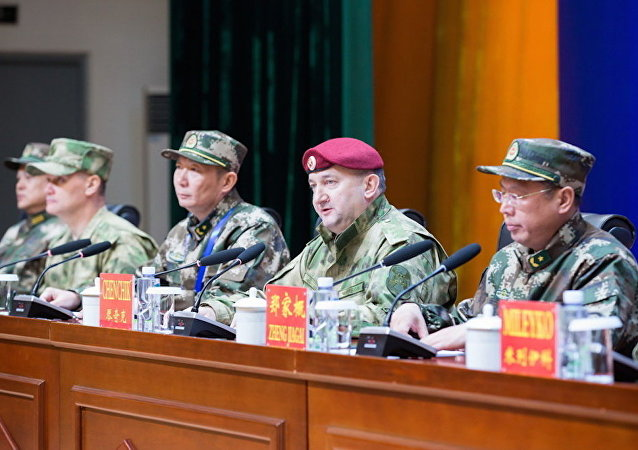 俄近卫军与中国武警特种部队联合演习在中国银川拉开帷幕